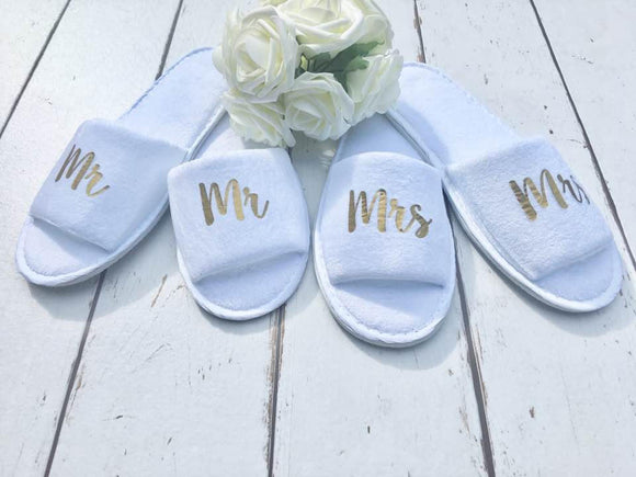Mr and Mrs Slippers - Bridal slippers - Honeymoon - Personalized Spa Slippers - Wedding Slippers - Couple Slippers