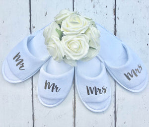 Mr and Mrs Slippers • Bridal slippers • Honeymoon • Personalised Spa Slippers • Wedding Slippers • Couple Slippers • Honeymoon Gift • Mr and Mrs