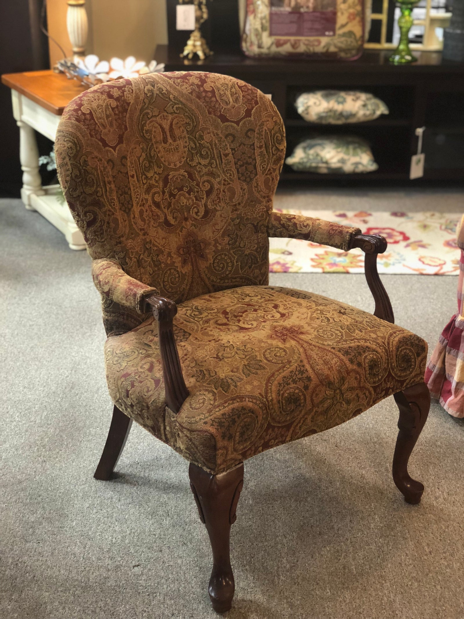 Rounded Back Arm Chair