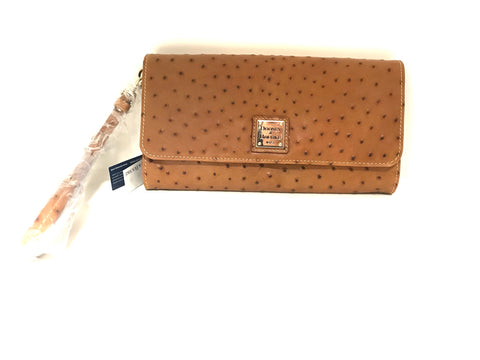 NWT Dooney & Bourke Clutch
