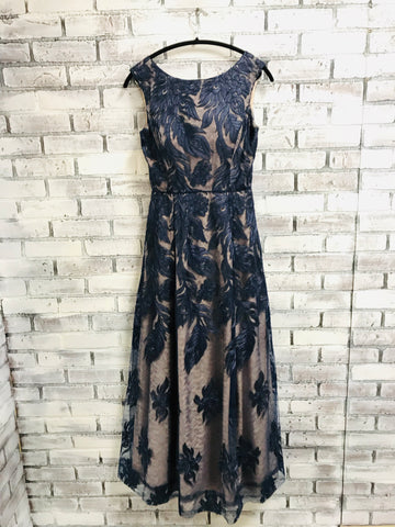 894fc95cf73 Aidan Mattox Lace Evening Gown (6) – Petersons  Consigning Design
