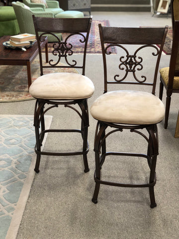 4 Swivel Stools
