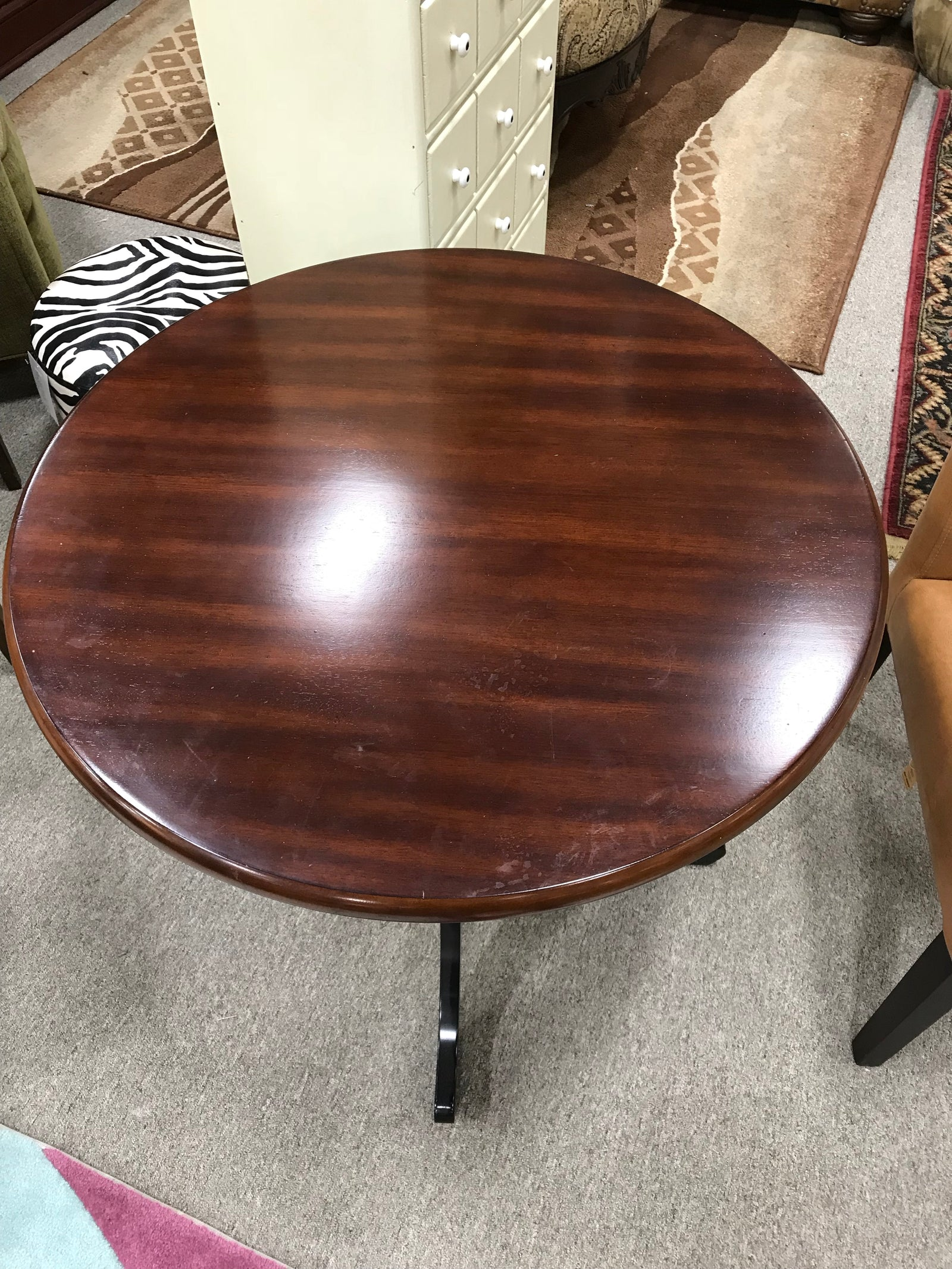 Entry/Accent Table