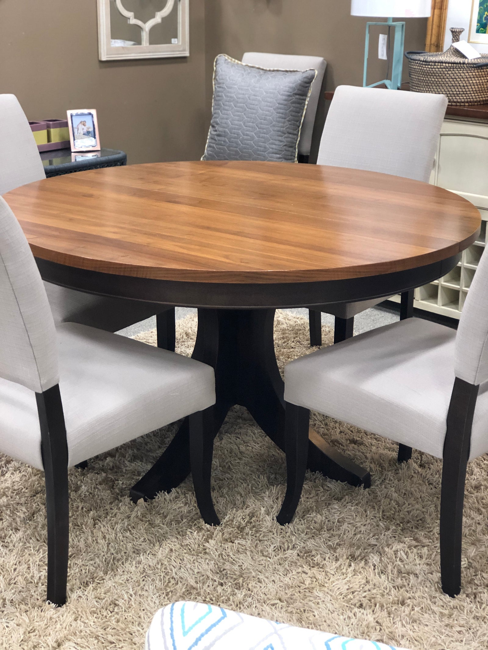 Dining Table W|6 Chairs