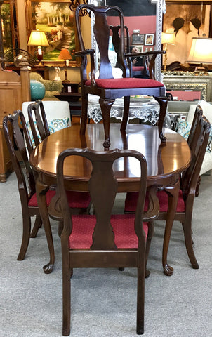 Kling Furniture Dining Set
