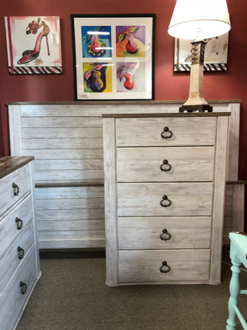 Full Sleigh Bed & Nightstand
