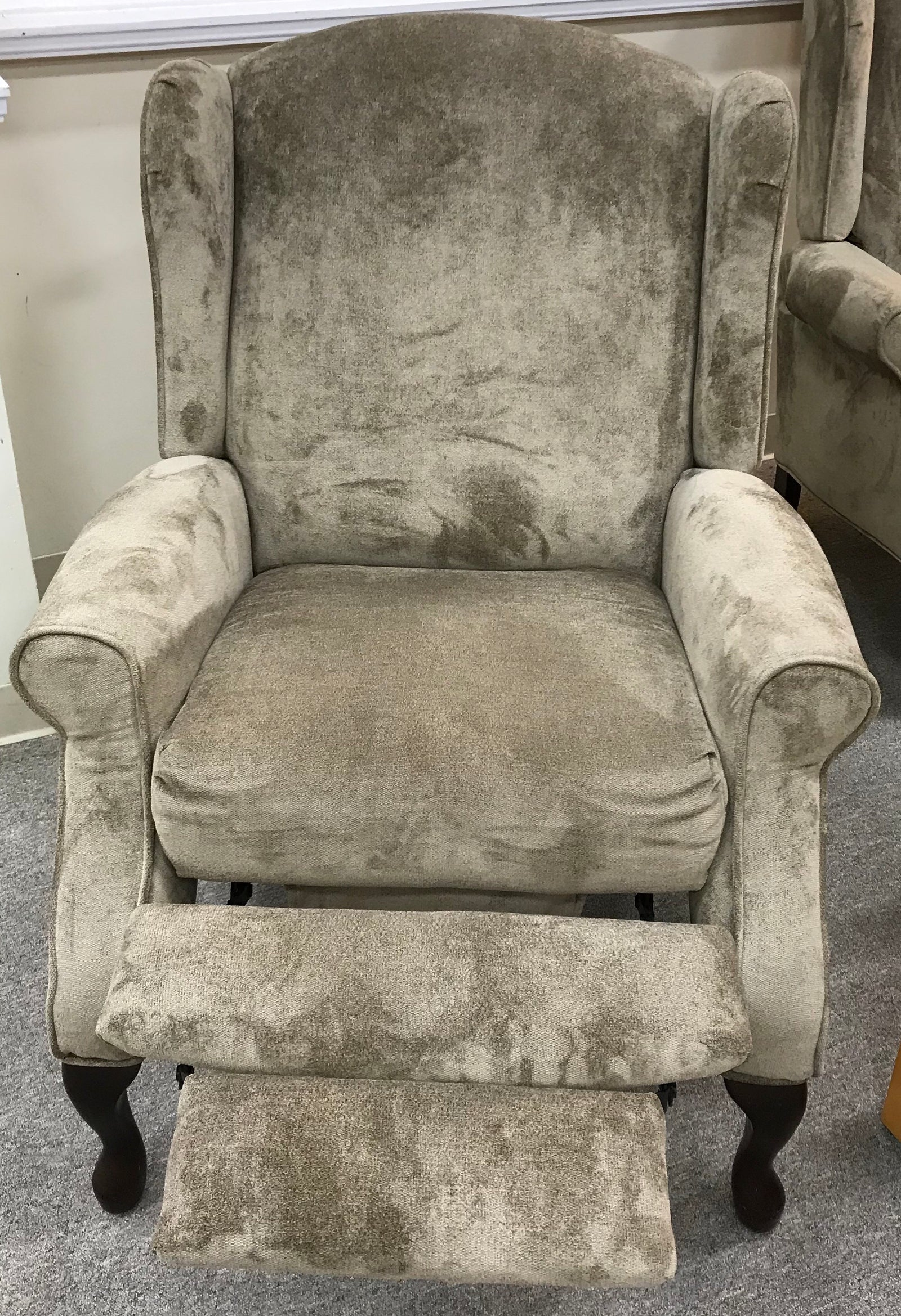 Reclining Wing Chair