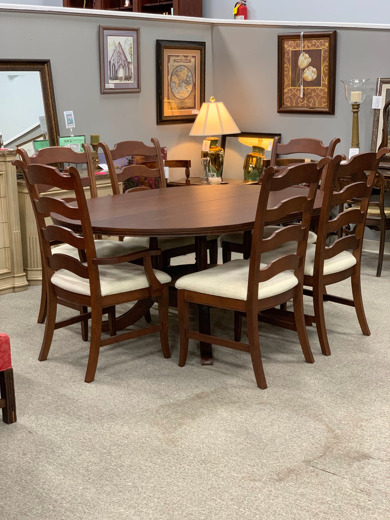 Villegeois Dining Table and 6 chairs