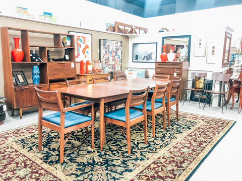Dinette Table & Chairs