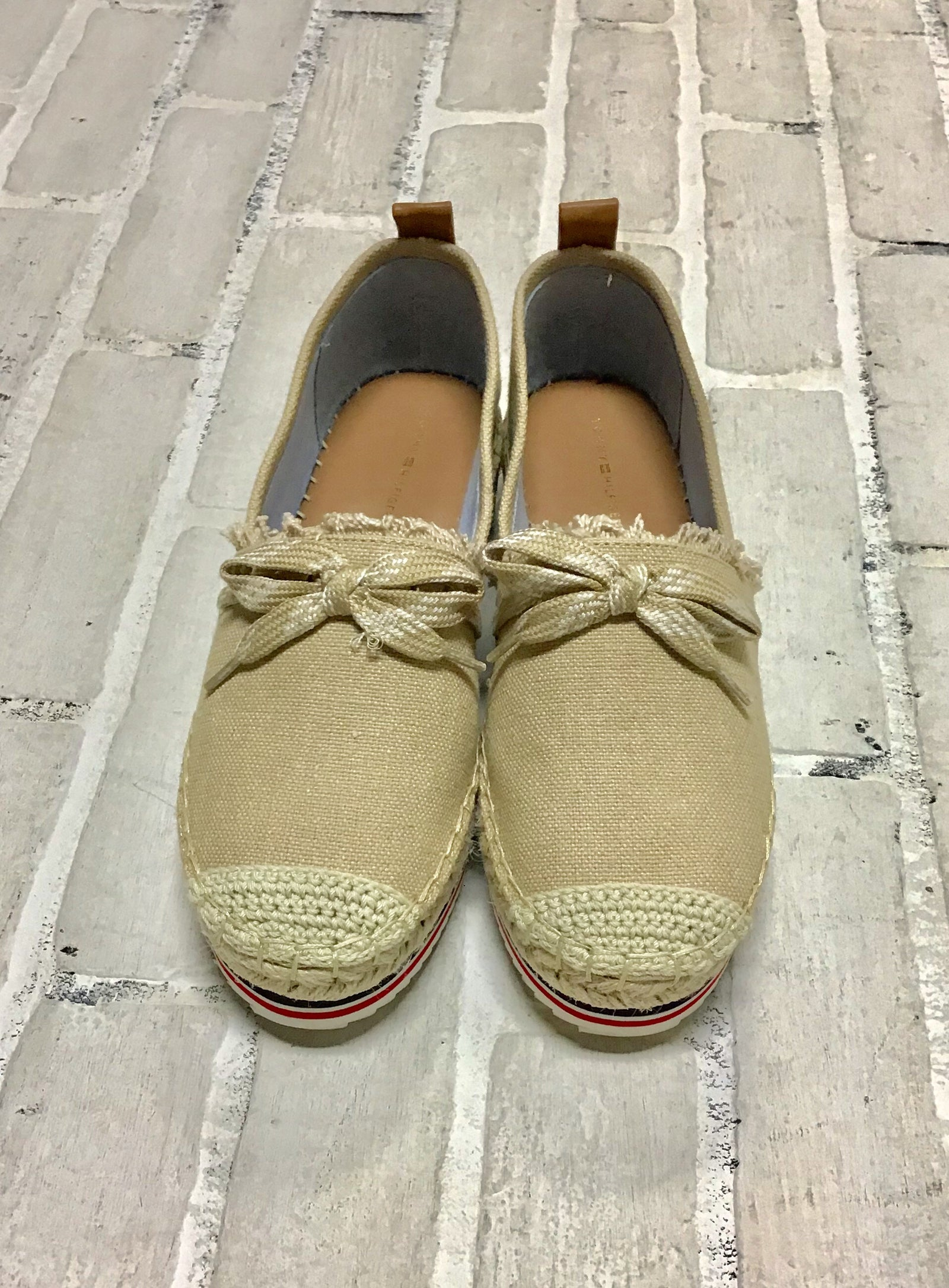 Tommy Hilfiger Shoes (8.5)