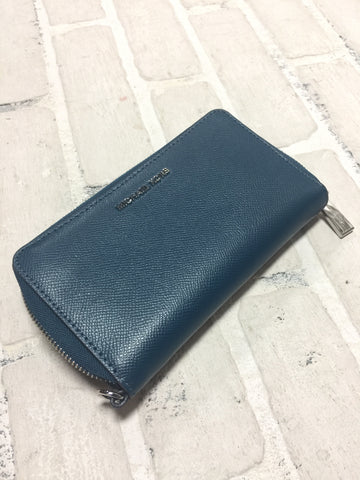 Cross Body Clutch NWT