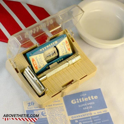 Gillette Flare Tip Safety Razor & Case B-3 1956 - Above the Tie