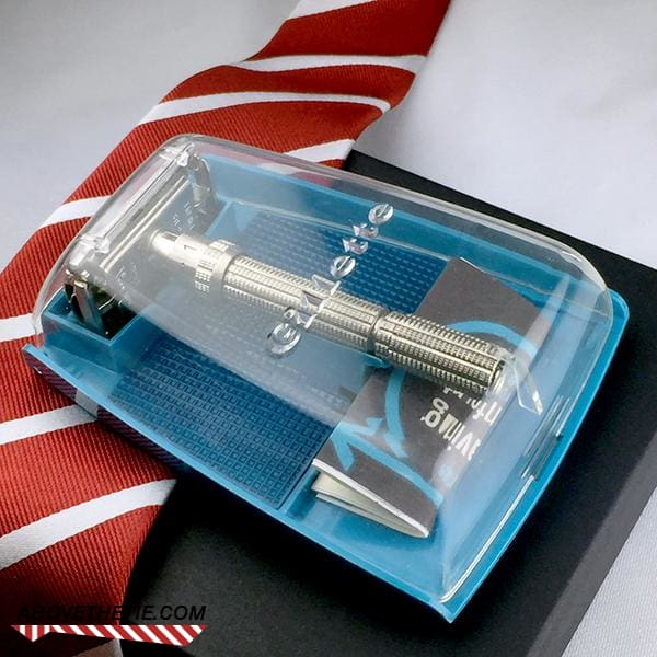 Gillette Slim Adjustable Safety Razor & Case H-4 1962 - Above the Tie