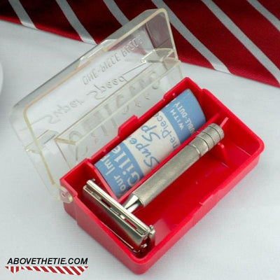 Gillette Super Speed No Date with Case 1950 - Above the Tie