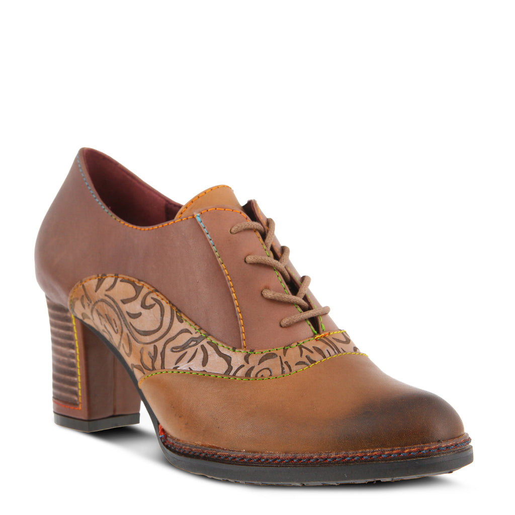 LAVADA LACE-UP SHOE