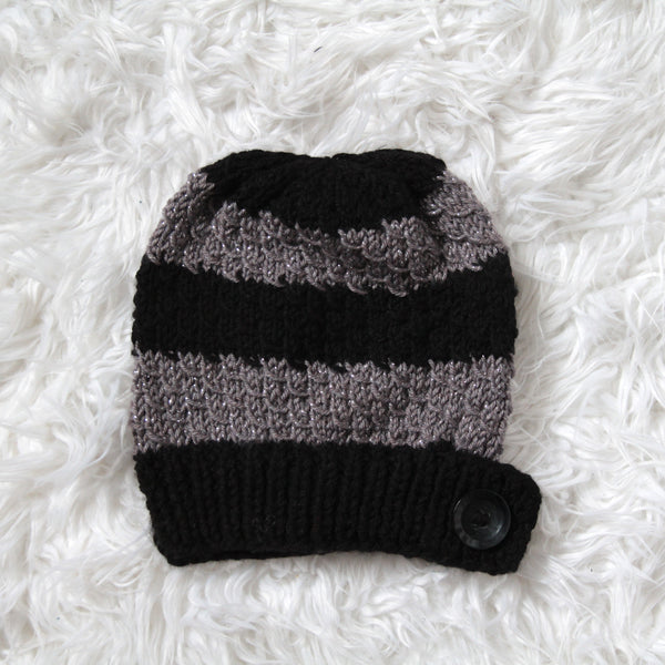 Womens Slouchy Knit Toque with Buttons - Stripes