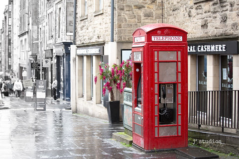 Quaint image of Old Town Edinburgh featuring a red phone booth. Pictures of Scotland