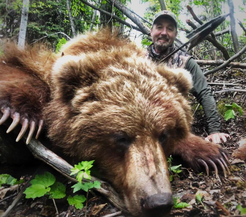 Tim Wells Kills A Grizzly Bear With A Spear