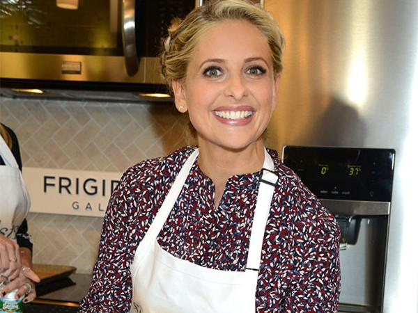 Sarah Michelle Gellar Featured by E! Online