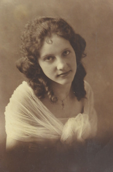 Vintage 1915 Photograph of Pretty Girl