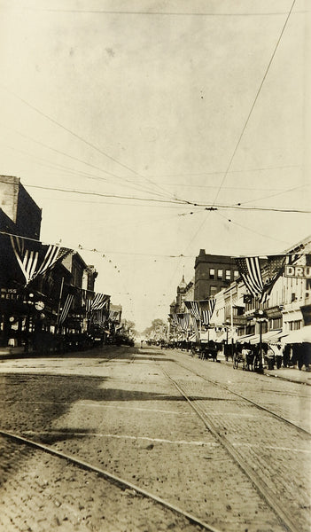 1900's Main Street USA Flags July 4th Horses Buggys Cable Car