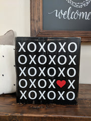 Valentine's Day XOXO Standing Sign