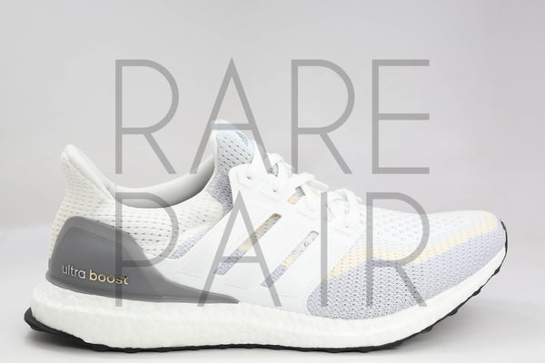 "Ultra Boost M ""White/Clear Grey"" - Rare Pair"