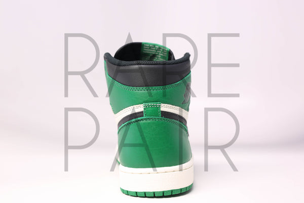"Air Jordan 1 Retro High OG ""Pine Green"" - Rare Pair"