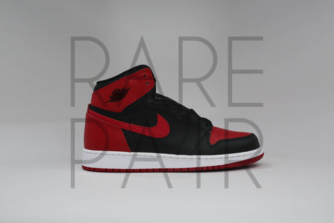 "Air Jordan 1 Retro ""2001 Bred"" - Rare Pair"