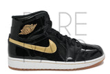 "Air Jordan 1 Retro High OG ""2013 Black/Gold"" - Rare Pair"