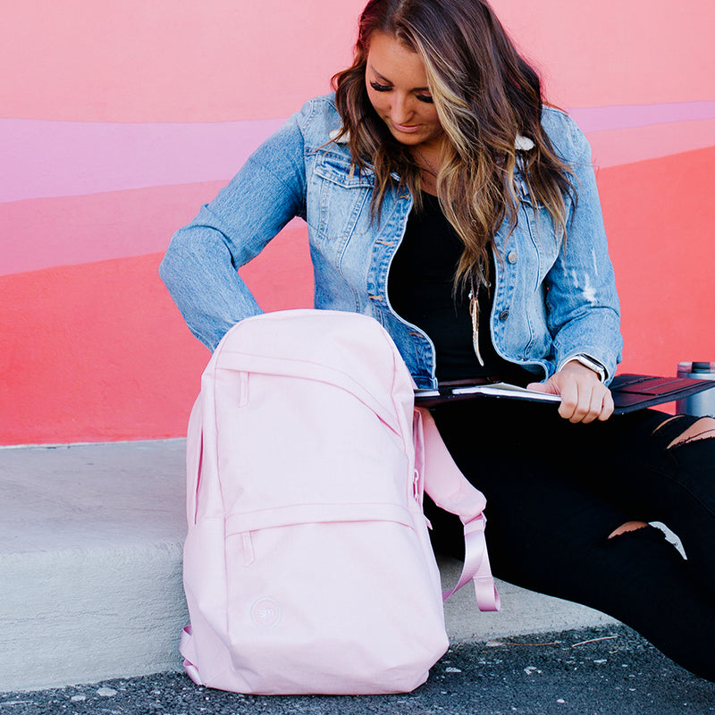 The best grad gifts are the ones they will love! Check out the Legacy Backpack for the perfect grad gift that they will love getting in the mail!