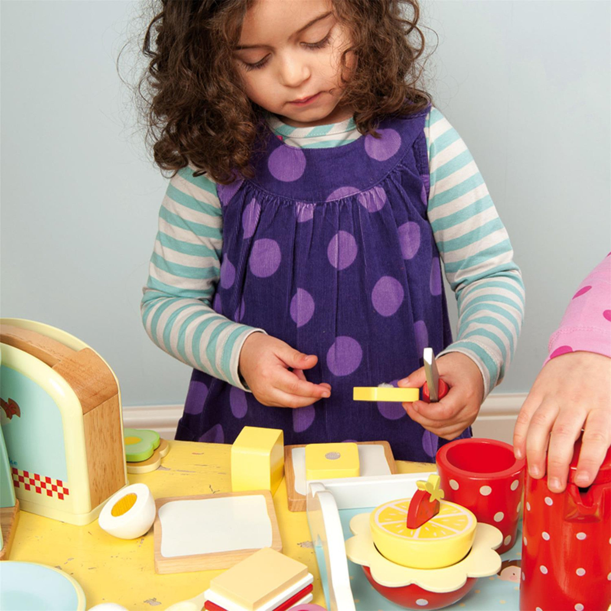 Le Toy Van Honeybake Toaster Set Le Toy Van Toy Kitchens & Play Food at Little Earth Nest Eco Shop