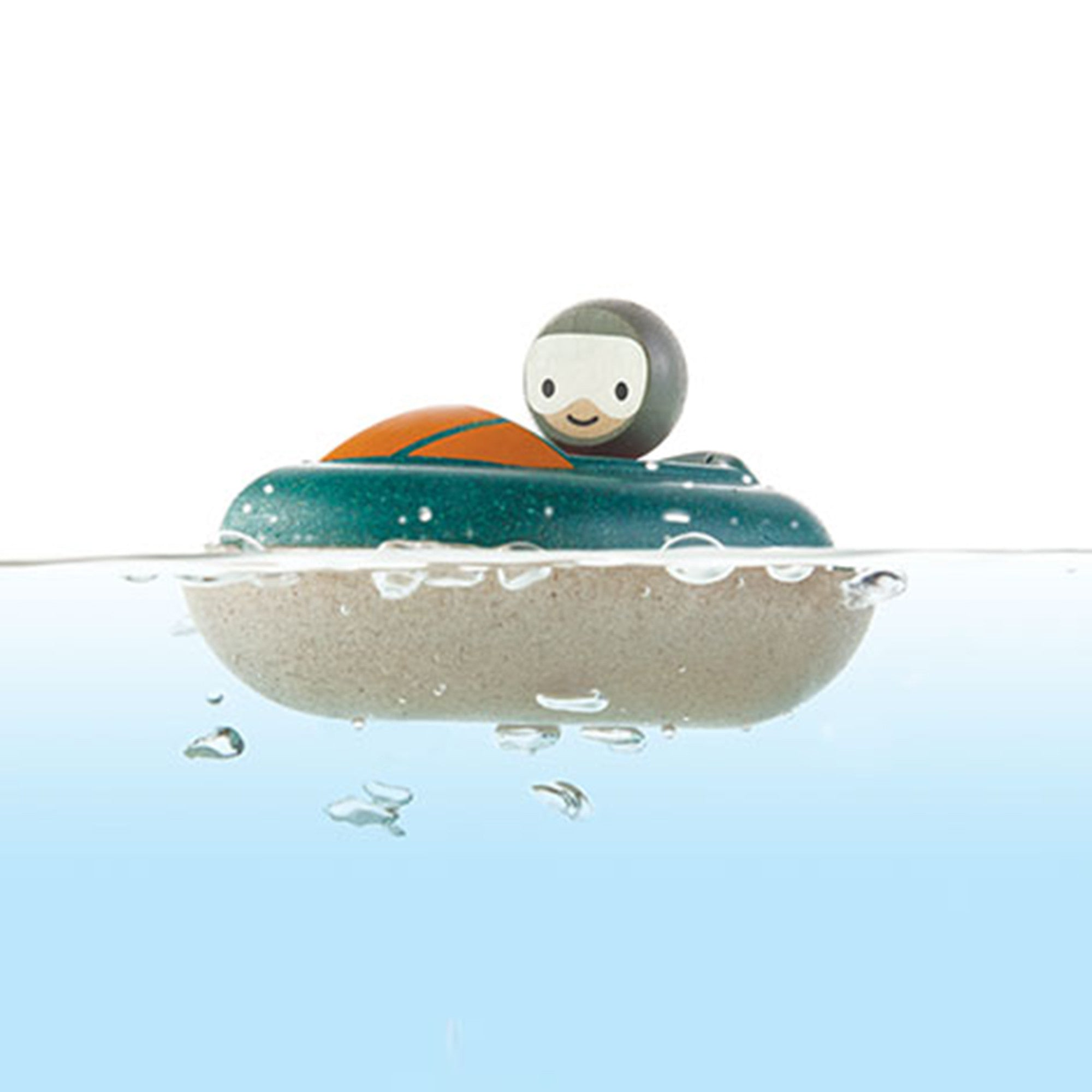 Plan Toys Speed Boat PlanToys Bath Toys at Little Earth Nest Eco Shop