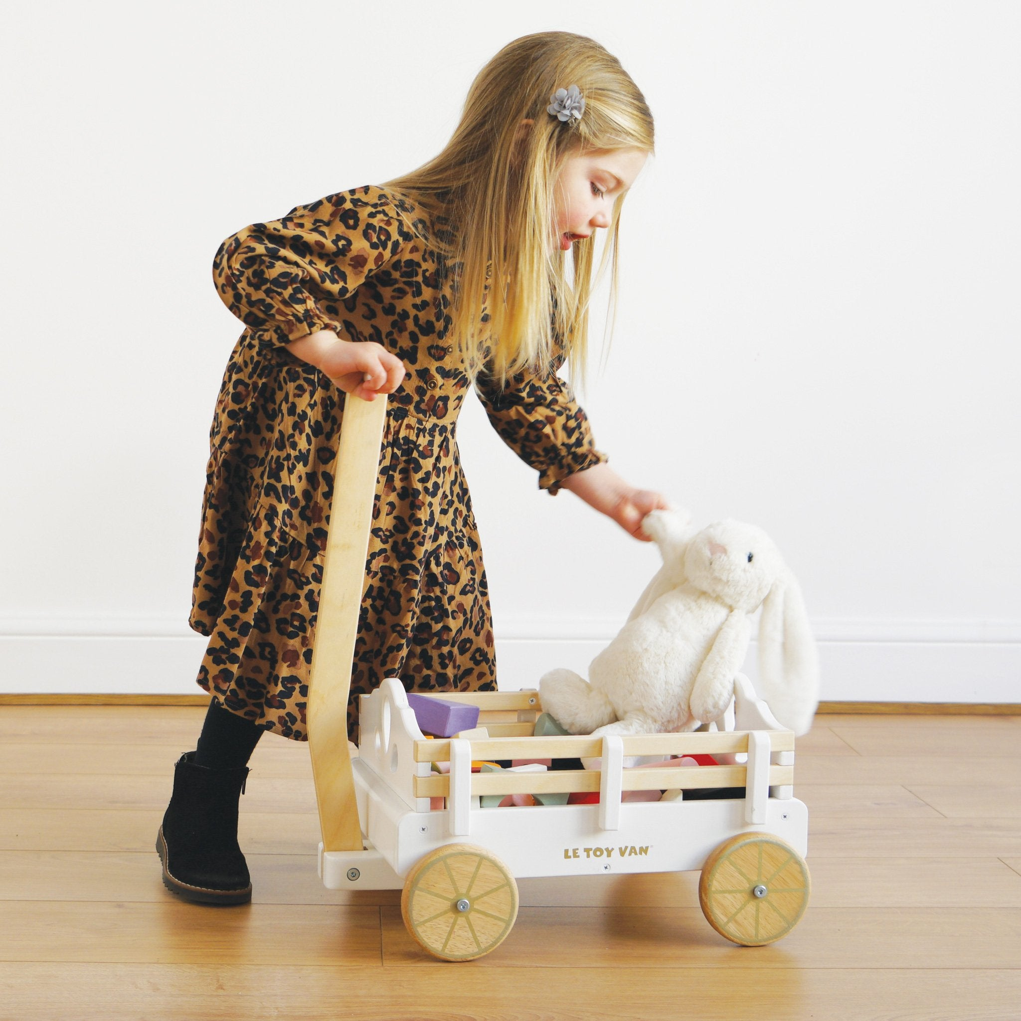 Le Toy Van Honeybake Pull Along Wagon Le Toy Van Baby Walkers and Entertainers at Little Earth Nest Eco Shop