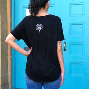 NEVER GIVE UP | women flowy vneck tee | black