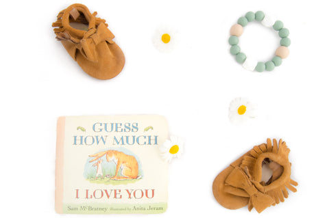 Reading with Kids, Guess How Much I Love You. Teething, Motherhood, Silicone Teething Necklace, Teething Ring