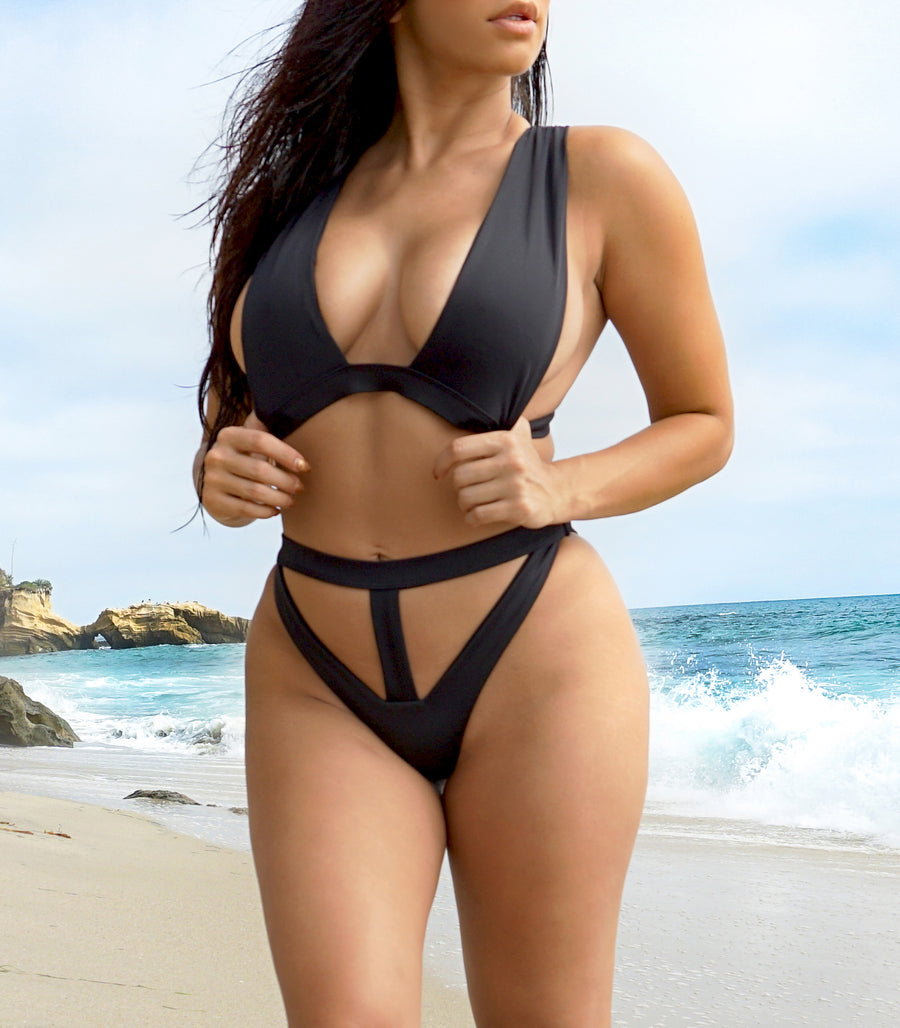 Black bikini fashion swimwear