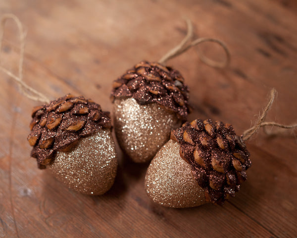 Beautiful Acorn Ornaments with Pine Cones and Glitter - DIY Christmas Craft