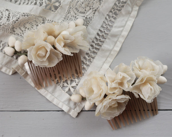 Assembling a Wax Flower Hair Comb Tutorial