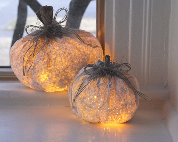 Tutorial: Paper Pumpkin Luminary Halloween Decorations