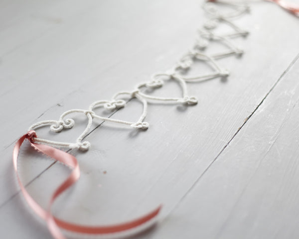 Simple Craft Project: Make a Delightful Pipe Cleaner Heart Garland!