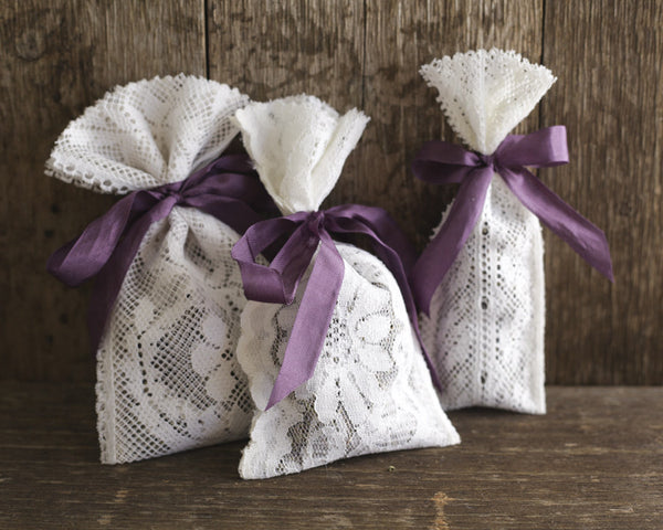 Tutorial: 5 Minute, No-Sew Lace Lavender Sachets