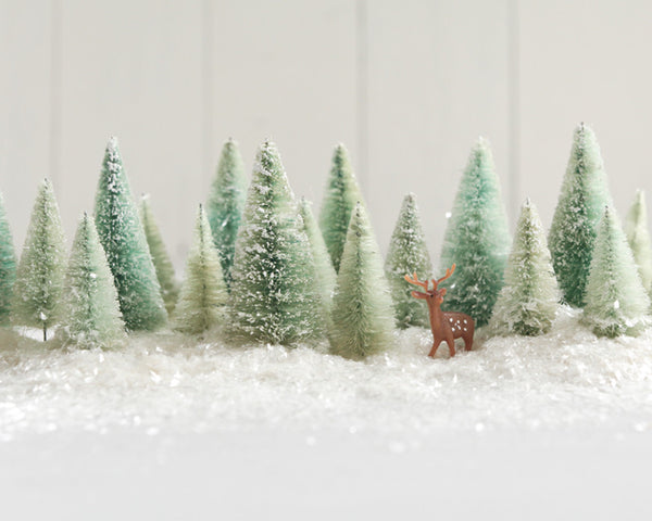 Make Minty Bleached Bottle Brush Trees for Christmas!