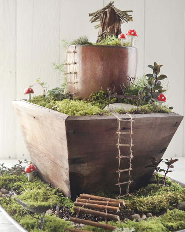 A tour of my rustic fairy garden.  ~Smile Mercantile~