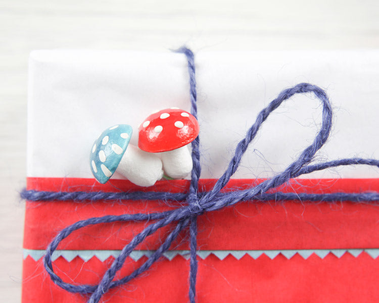 Smile Mercantile - Pippi-Inspired Retro Christmas Gift Wrapping Ideas