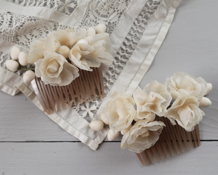 Assembling a Wax Flower Hair Comb DIY Tutorial