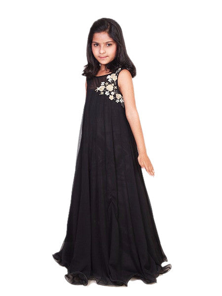 (NEW) Beautiful Flowy Black Chiffon Gown