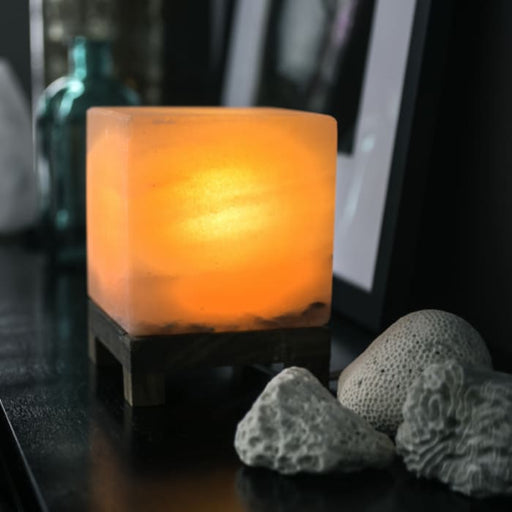 HIMALAYAN CUBE SALT LIGHT - AMBER - Urban Treehouse
