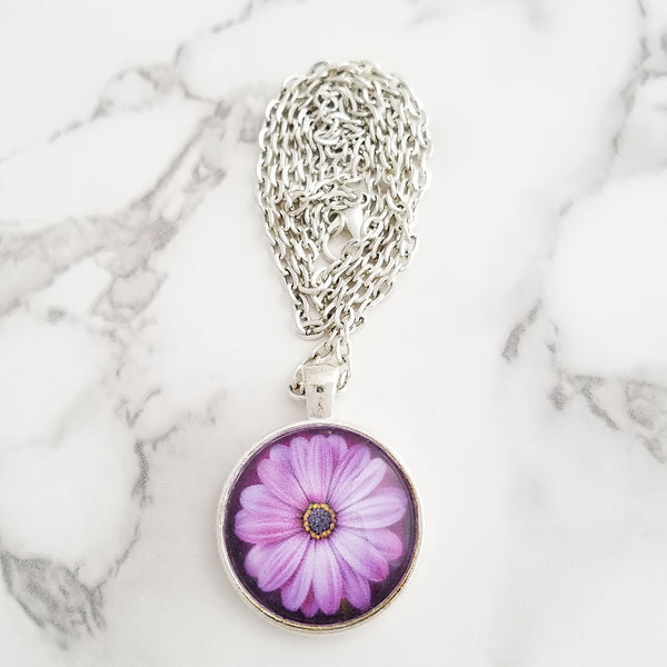 Pale Purple Flower Necklace - L&G Gifts and Goodies