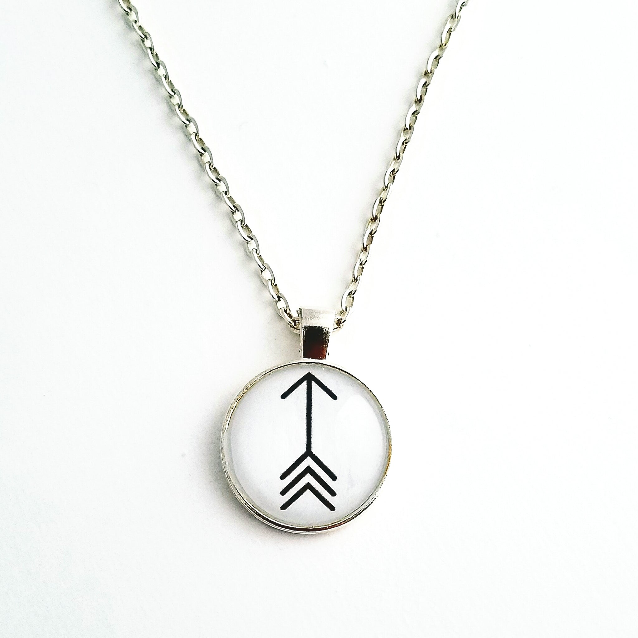 Black Arrow Pendant Necklace - L&G Gifts and Goodies